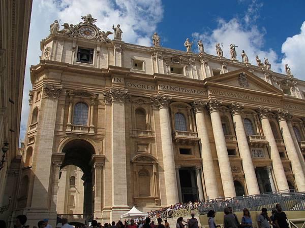 梵蒂岡博物館真的好雄偉。