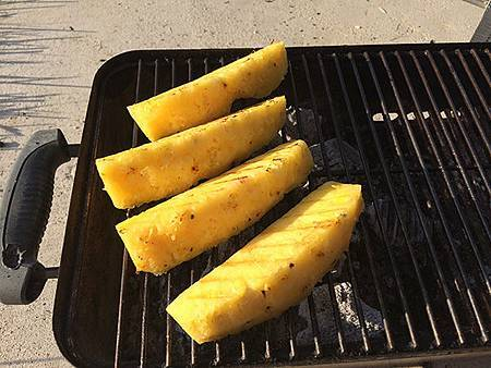 Jamaican_Jerk_Pork_Grilled_Pineapple.jpg