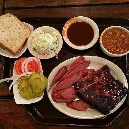 德州烤肉_Valley-Ranch_香腸肋排套餐.JPG