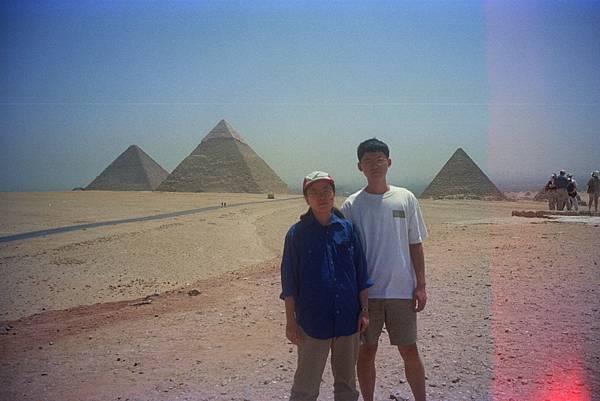 吉薩金字塔群 img0000