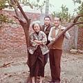 母親、香港舅舅、大B哥於仁武果園