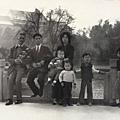 父親及家藩哥一家在蓮池潭