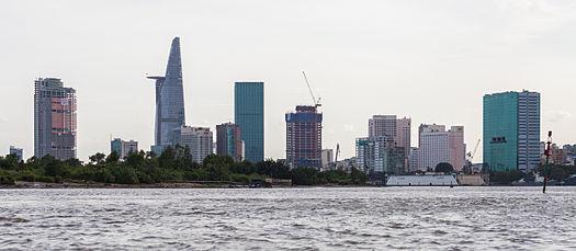 Río_Saigón,_Ciudad_Ho_Chi_Minh,_Vietnam,_2013-08-14,_DD_29.JPG