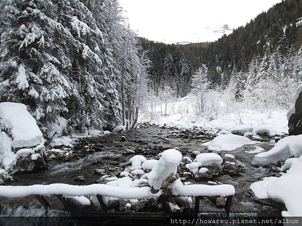 冬天的小溪