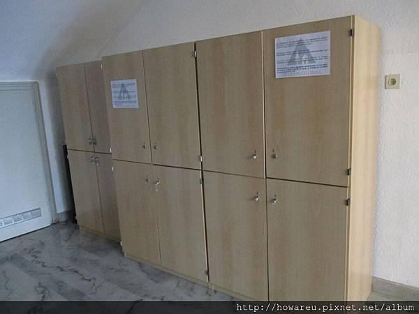 一樓退幣式大型行李置物櫃