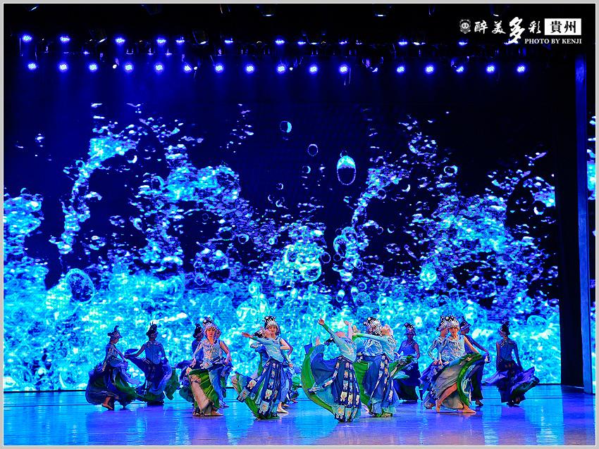 多彩貴州風歌舞秀-13.jpg