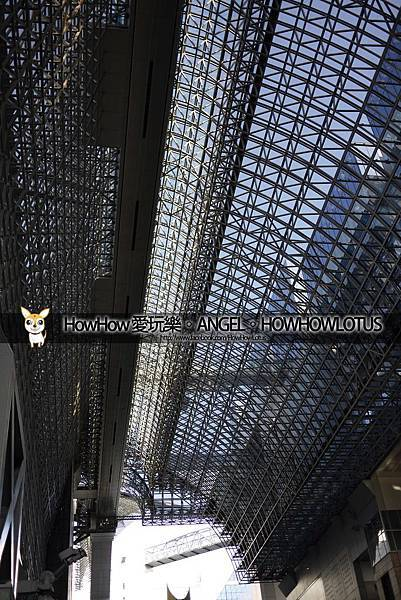 還在看上面壯觀的鐵架裝置建築