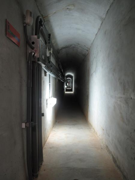 狹窄的坑道