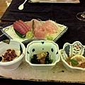 037_晚餐前菜+生魚片.JPG