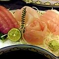 038_晚餐生魚片.JPG