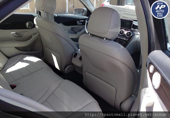 HP高雄車庫自辦外匯車BENZ C300內裝真有質感