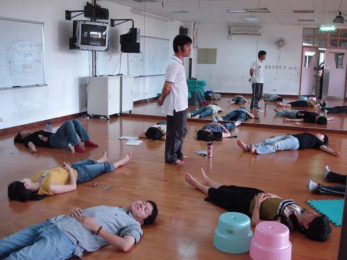 教師成長~~躺地2.jpg