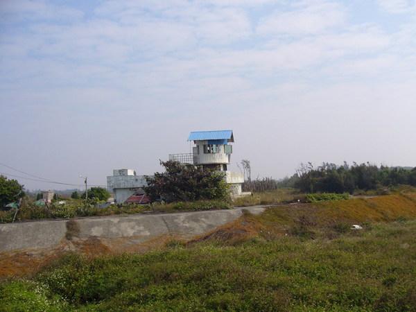 鹿耳門溪口的海巡站