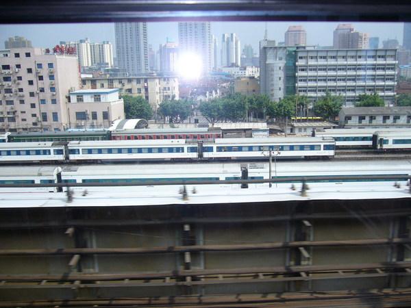 從地鐵看鐵路