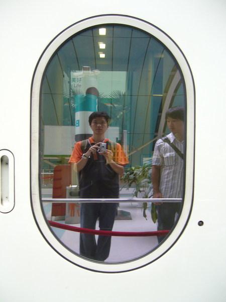 磁浮列車車廂玻璃真亮
