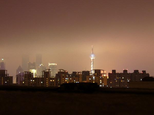 在老丁家就可以看上海夜景