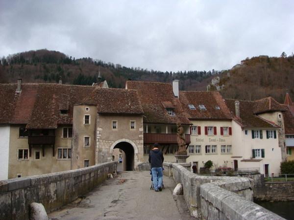 通往城堡的橋