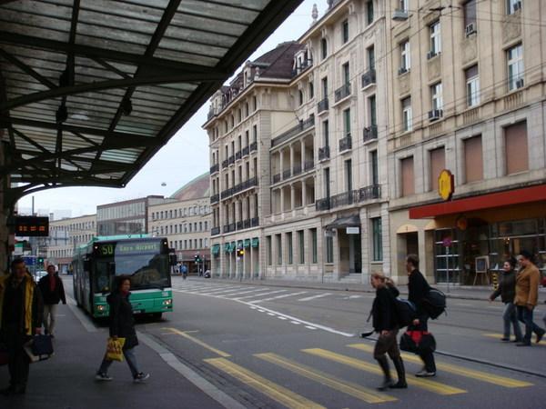 Basel的機場巴士
