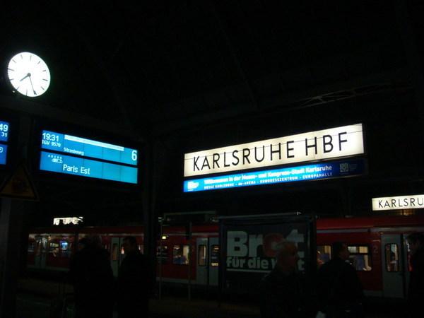 忍痛買了高鐵車票去巴黎