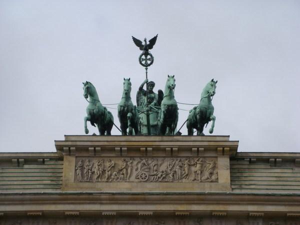 布蘭登堡門上的勝利女神與四駕馬車