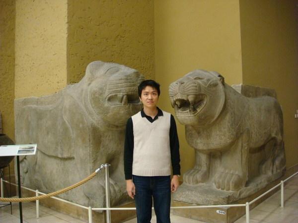 我與西亞雕塑