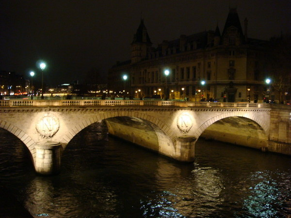St. Michel橋夜景