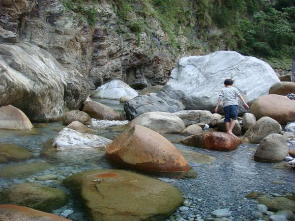 砂卡噹溪很清澈