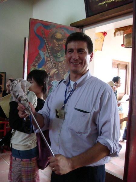 宋怡明老師跟他的兵器