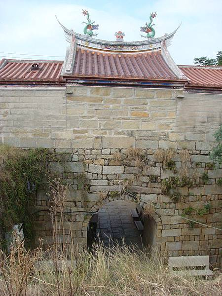 崇武東門是個甕城