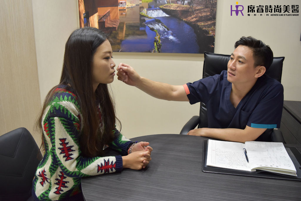 高雄席睿時尚美醫經口式隆鼻隱痕隆鼻案例照片推薦王文禾醫生隆鼻手術案例分享 (3)