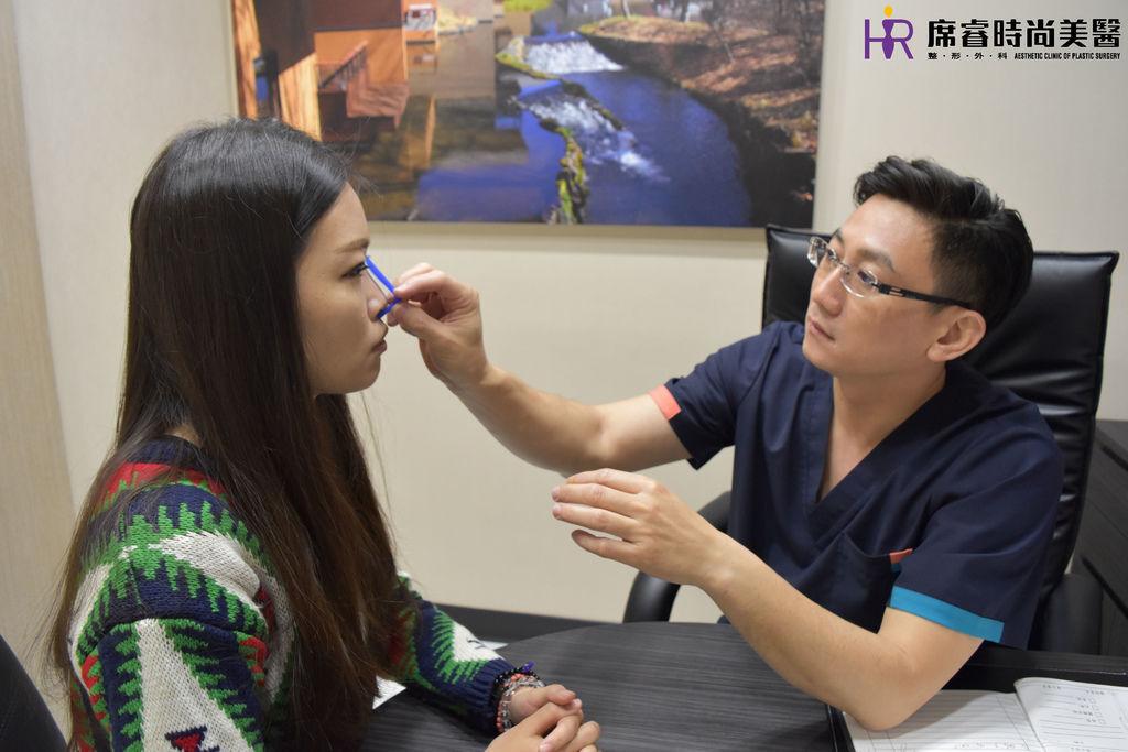 高雄席睿時尚美醫經口式隆鼻隱痕隆鼻案例照片推薦王文禾醫生隆鼻手術案例分享 (4)