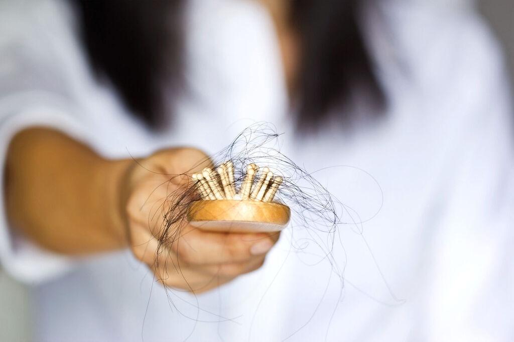 頭皮發炎症狀頭皮發炎掉髮頭皮發炎洗髮精頭皮紅頭皮屑禿頭毛囊炎禿頭頭皮紅腫02.jpg