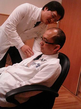 久坐肩頸痠痛1