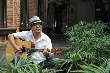 黃鎮炘組阿比百樂團創作客家歌曲漸嶄露頭角