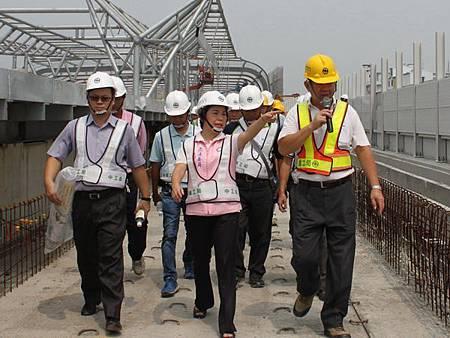 台中鐵路高架捷運化預計104年底通車啟用