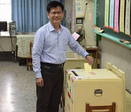 林佳龍投票1B