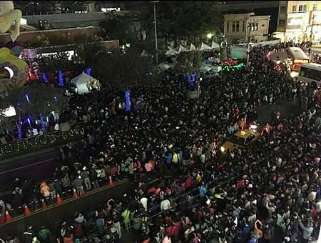 豐原燈會人潮多民眾抱怨趕不上火車