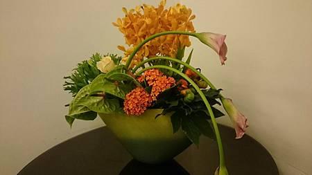 花藝課程以簡單技法展現花卉美學