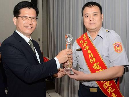 東勢山警獲選為臺中市政府電話禮貌先生