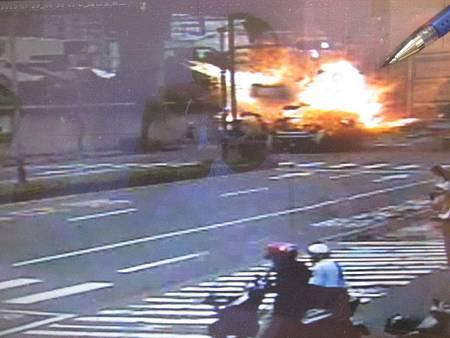 水產貨車液態鋼瓶爆炸車輛起火燃燒