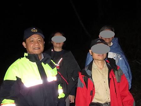 登船形山迷途又受傷員警急救援