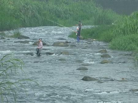 溪中釣魚3B