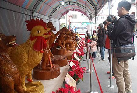 台灣巧聖仙師東勢祖廟展出生肖木雕