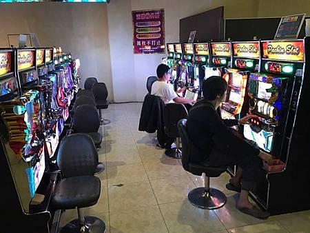 警方查獲一家大型賭博電子遊戲場