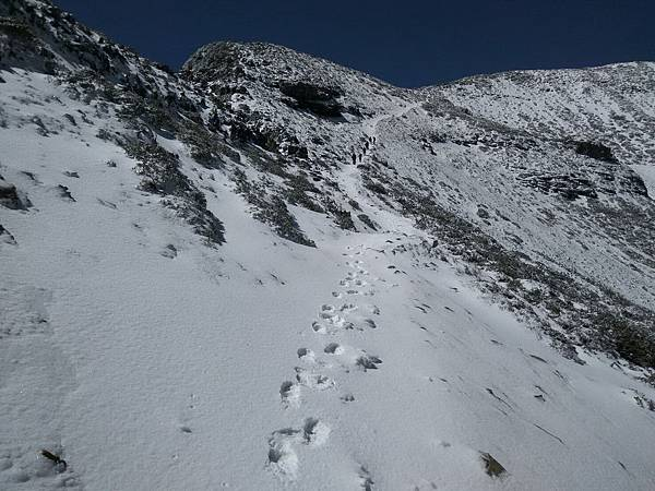 雪山步道積雪吳建宏1.jpg