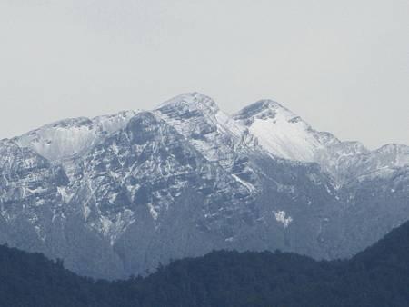 H雪山主峰白雪.jpg