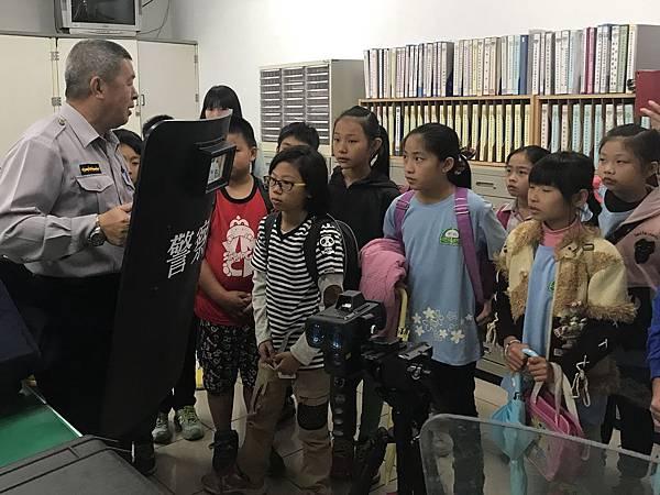 H參訪東勢警局6.jpg