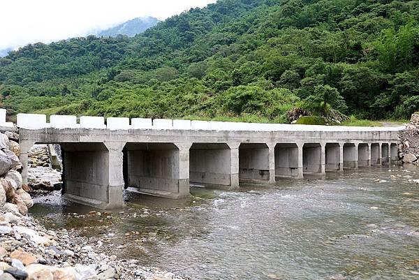 天輪過溪橋.jpg