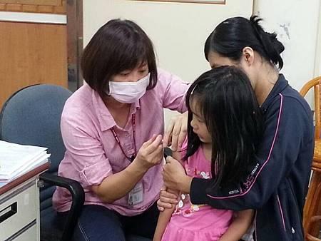 H學前打疫苗.jpg