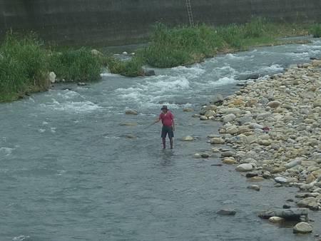 H溪中釣魚A.jpg